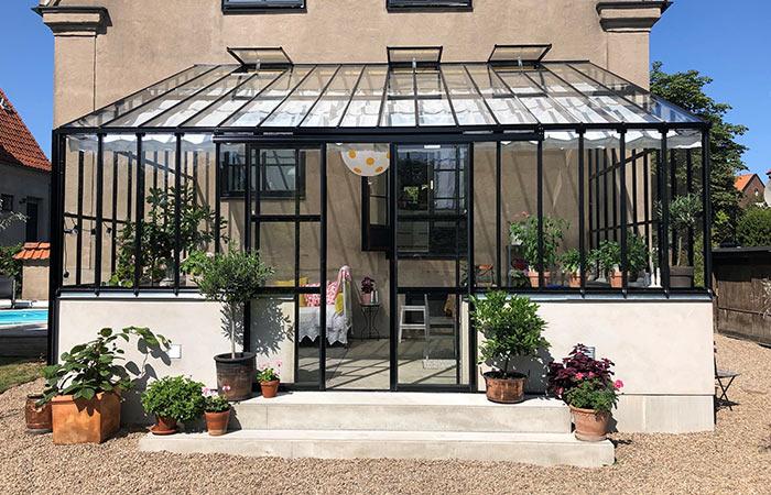 Serralux växthus mot vägg Classicum Växthus