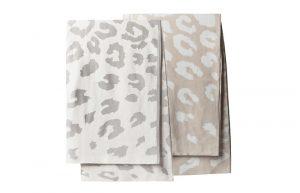 Filt och pläd i bomull från Wilma & Louise, GOTS certifierad och leopardmönstrad